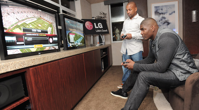Keyshawn Johnson Hosts LG Electronics Party At The 2010 Esquire House