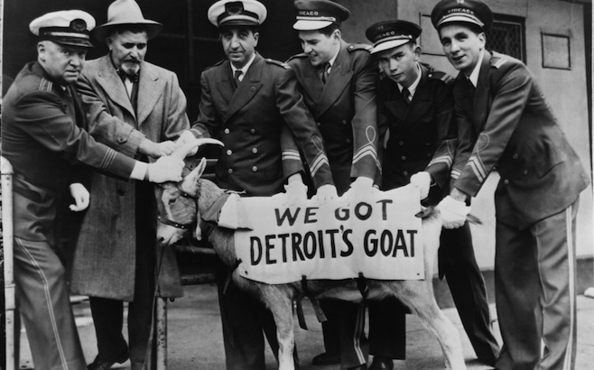 JUNE 1945, ILLINOIS, CHICAGO, USHERS GRABBING WITH DETROIT S GOAT