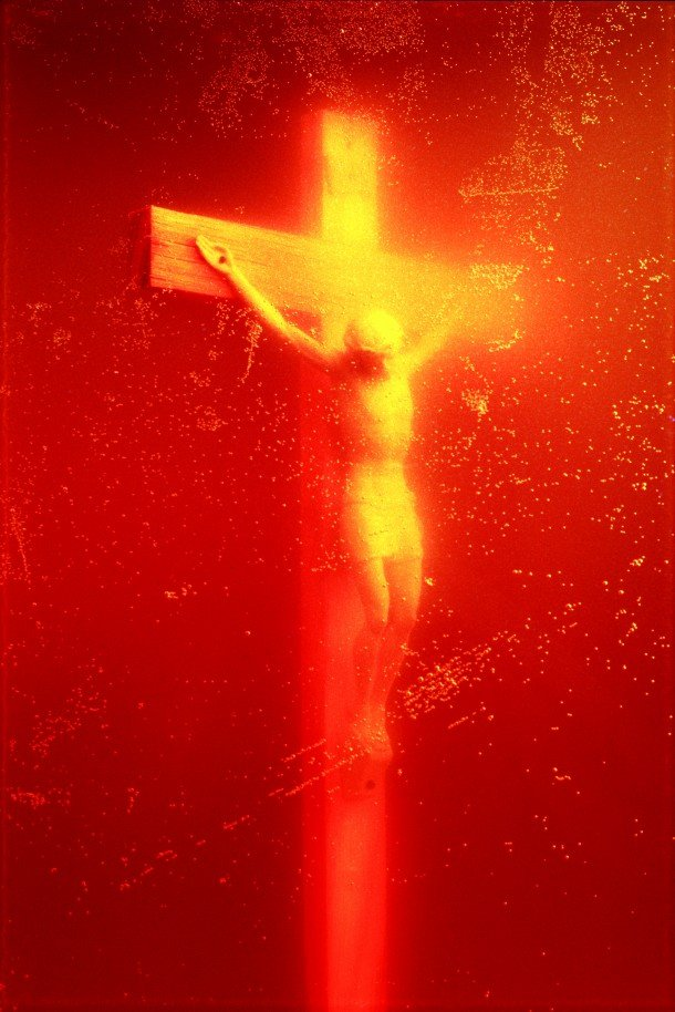 Previous Next Andres SERRANO, Piss Christ, 1987, C-Print, 152,4 x 101,6 cm — © Andres Serrano, Courtesy Galerie Nathalie Obadia Paris/Brussels, IMMERSIONS SERIES