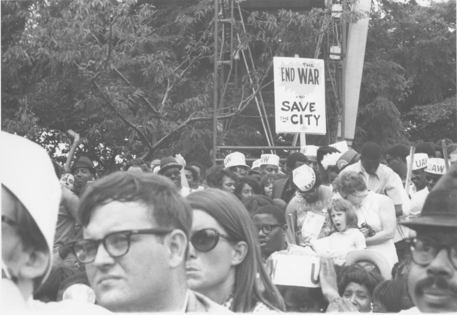 Demonstrators at Poor People's March, 1968 (Smithsonian's Anacostia Community Museum Archives. Photo by Ronald S. Comedy - 12 Yrs that Shook & Shaped Washington: 1963-75 Anacostia Community Museum)