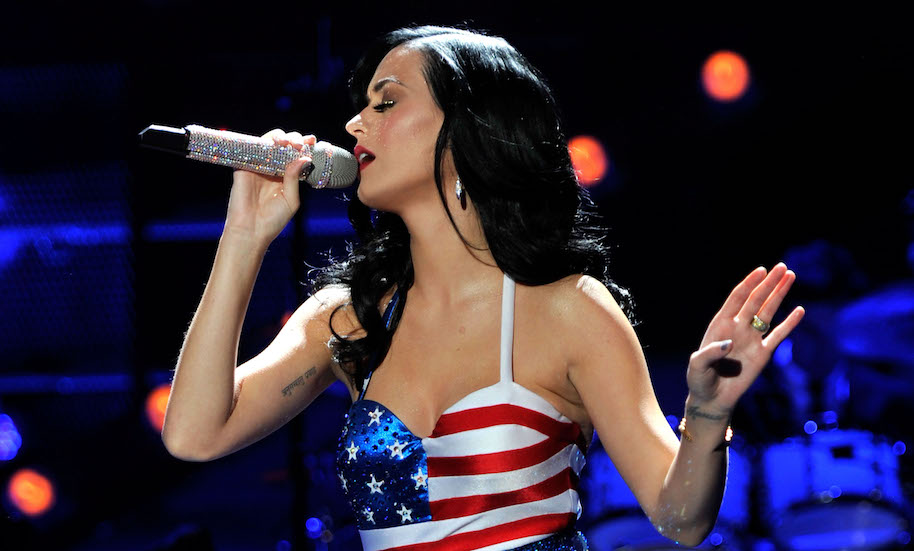 """Singer Katy Perry performs onstage during """"VH1 Divas Salute the Troops"""" presented by the USO at the MCAS Miramar on December 3, 2010 in Miramar, California. """"VH1 Divas Salute the Troops"""" concert event will be televised on Sunday, December 5 at 9:00 PM ET/PT on VH1."""