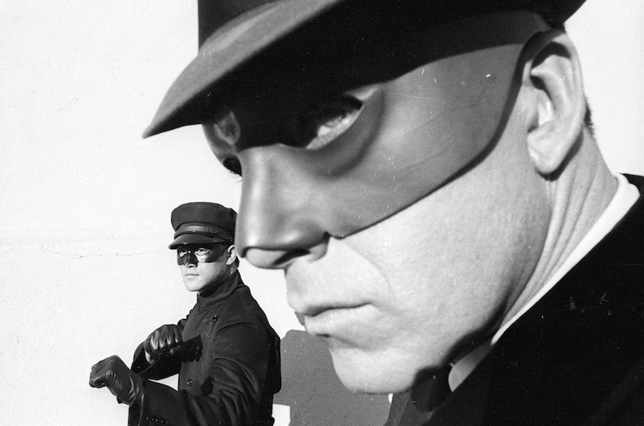 THE GREEN HORNET - Generic Location Shooting - Shoot Date: June 4, 1966. (Photo by ABC Photo Archives/ABC via Getty Images) BRUCE LEE;VAN WILLIAMS