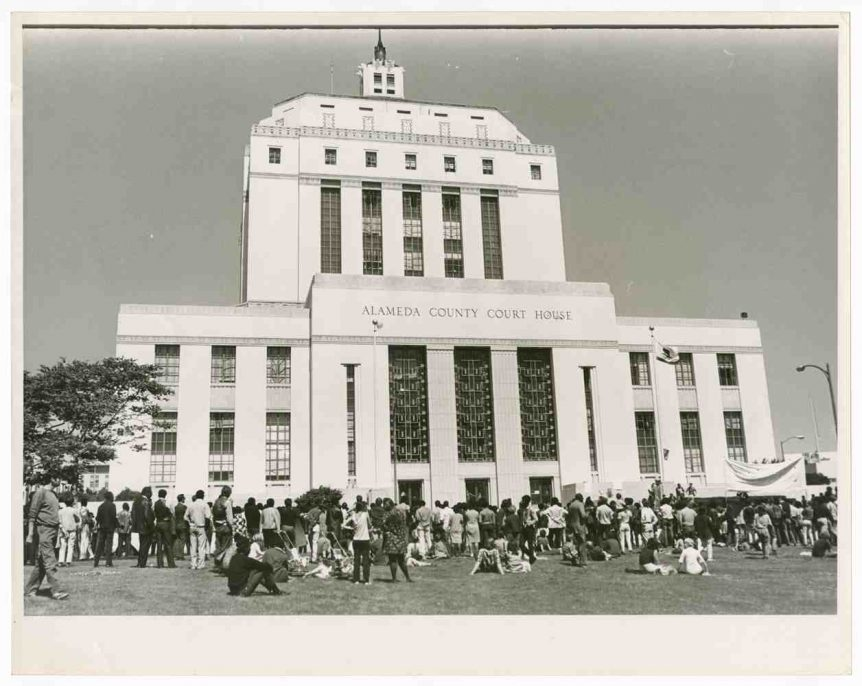 Lonnie Wilson, Untitled (Black Panthers at Alameda County Courthouse), 1968. Gelatin silver print, 14 x 9.5 in. The Oakland Tribune Collection, the Oakland Museum of California. Gift of ANG Newspapers.