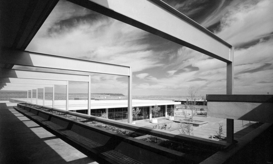 Painted Desert Community Complex, Central plaza as seen from office balcony, 1962, Beinlich, courtesy of the National Park Service.