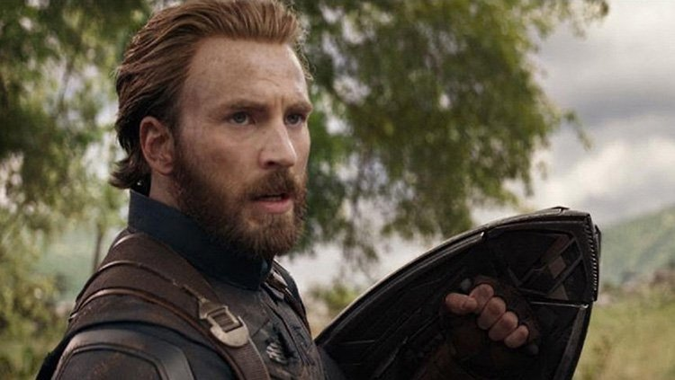 The Internet Honors (And Weeps Over) Captain America as Chris Evans Says Goodbye