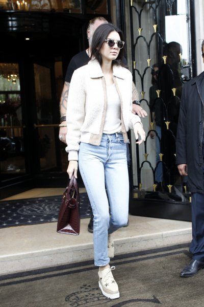 Kendall Jenner leaving Four Seasons Hotel George V during Paris Fashion WeekFeaturing: Kendall JennerWhere: Paris, FranceWhen: 05 Oct 2015Credit: WENN.com**Not available for publication in France**