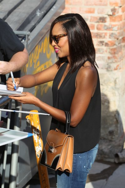 Kerry Washington seen signing for fans at ABC studios for Jimmy Kimmel LiveFeaturing: Kerry WashingtonWhere: Los Angeles, California, United StatesWhen: 23 Sep 2015Credit: Michael Wright/WENN.com