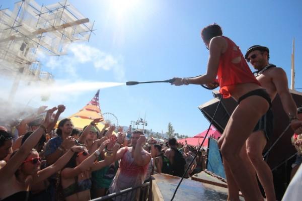 Coachella 2013: The Day in Pictures; 4/20/13