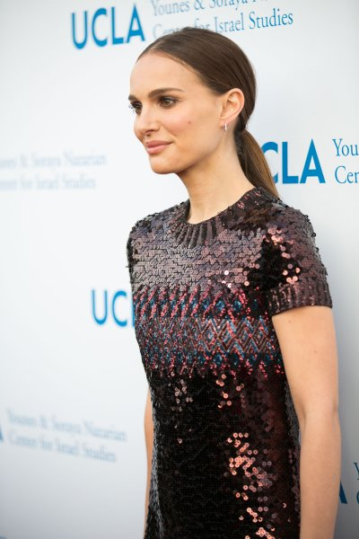 Natalie Portman presents UCLA Israel Studies Award at UCLA Younes & Soraya Nazarian Center for Israel Studies Gala at The Wallis Annenberg Center for the Performing Arts in Beverly Hills.Featuring: Natalie PortmanWhere: Los Angeles, California, United StatesWhen: 05 May 2015Credit: Brian To/WENN.com