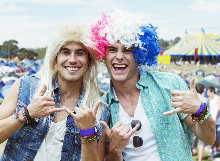 20 Funny GIFs of People Overdoing It to Set Off Festival Season