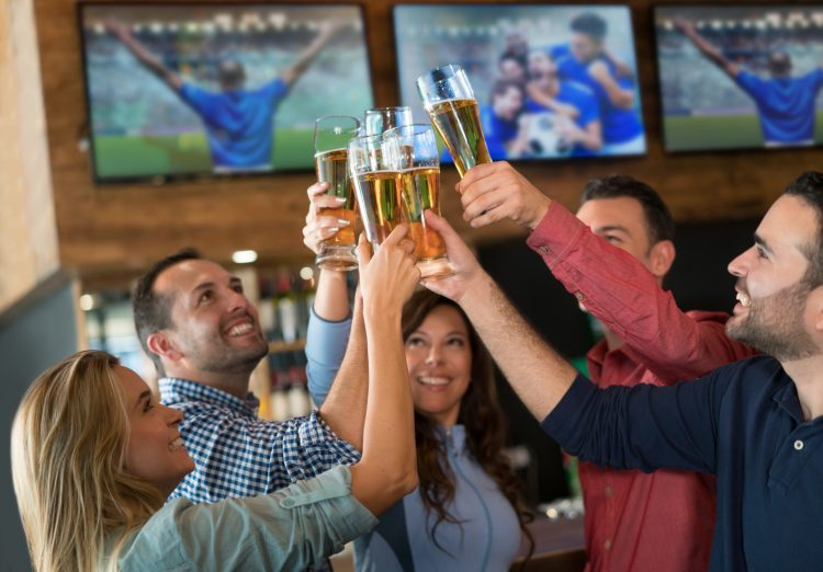The 10 Beer Commandments For Sports Fans
