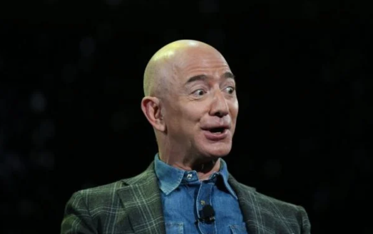 Jeff Bezos Should Be Denied Re-Entry to Earth Says Petition With Thousands of Signatures